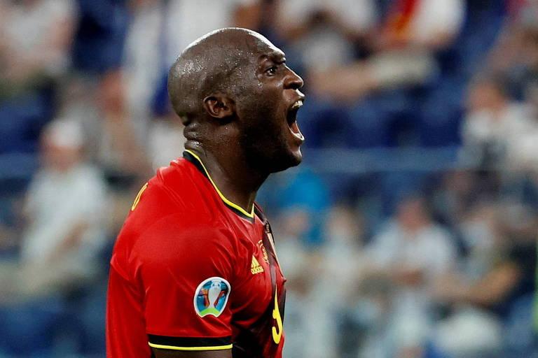 Artilheiro na Itália, Lukaku centraliza atenções por classificação da Bélgica