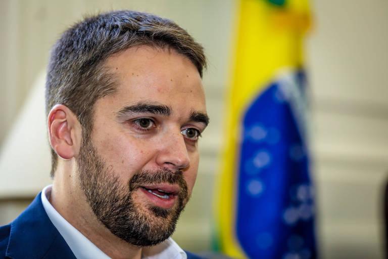 Leite rebate Bolsonaro e o chama de imbecil após ataque homofóbico, mas defende voto de 2018 contra o PT