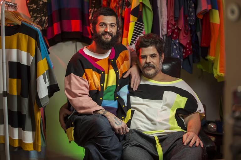Hugo Mor e Daniel Barranco, da Coletivo de Dois, em seu ateliê, em SP