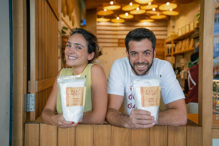 Diogo Zaverucha e Mariana Ferolla, em loja da Tapí Tapioca, no Rio