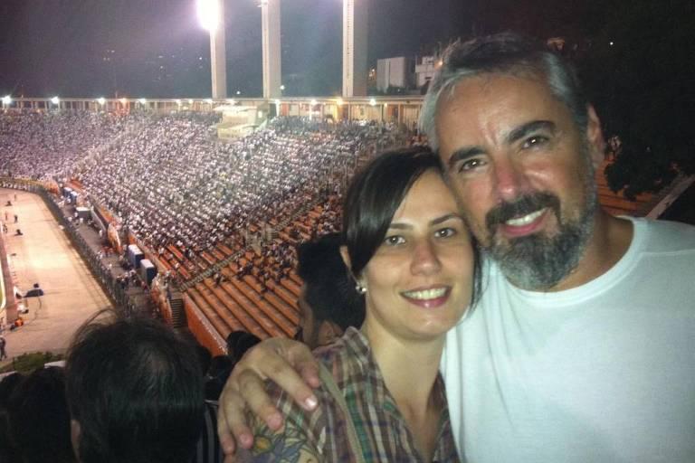 Marcelo Dallegrave assiste a jogo no tobogã do estádio do Pacaembu