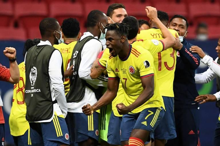 Colômbia vence Uruguai nos pênaltis e avança para a semifinal da Copa América