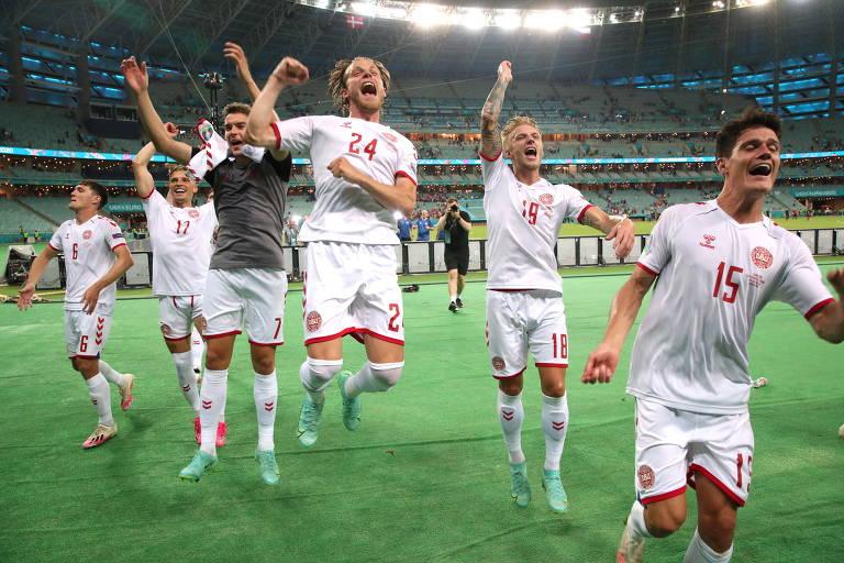 Dinamarqueses comemoram a vitória contra a República Tcheca