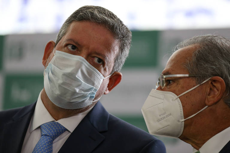 O presidente da Câmara, Arthur Lira (PP-AL), com o ministro Paulo Guedes (Economia), defende a reforma administrativa sem atingir direitos adquiridos