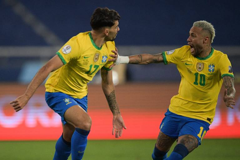 Brasil se atualiza na tática e se perde no campo