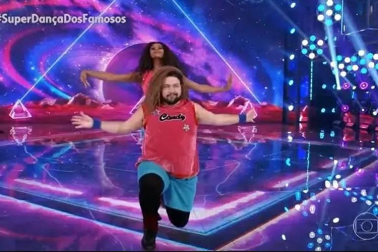 Tiago Abravanel comove o júri da Dança dos Famosos com 'grito' gay