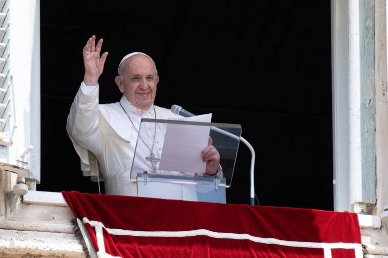 Papa Francisco passa bem, mas deve ficar internado por sete dias após cirurgia