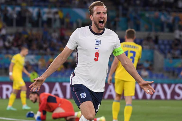 Harry Kane comemora gol contra a Ucrânia pela Euro