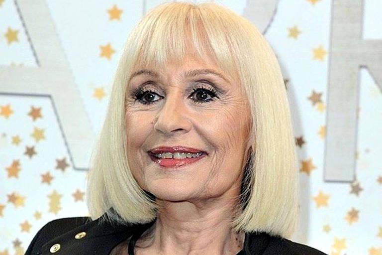 Morre Raffaella Carrá, cantora e ícone da televisão italiana, aos 78 anos