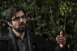 Entrevista com economista Guilherme Mello