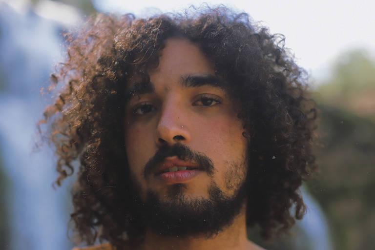 Imagens do cantor  Pedro Alex