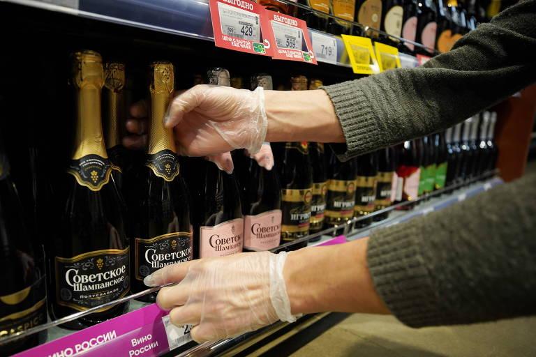 Putin determina que só espumante russo pode se chamar champanhe, e franceses reagem