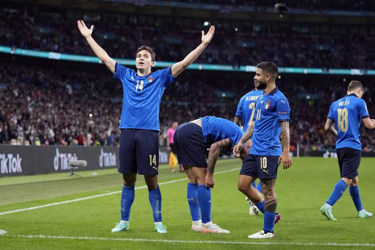 Itália segura Espanha 'à italiana', vence nos pênaltis e volta a decidir a Euro