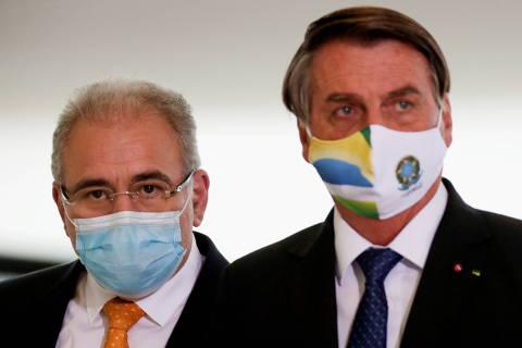 Anvisa orienta isolamento de comitiva após infecção de Queiroga; Planalto não diz se Bolsonaro fará quarentena