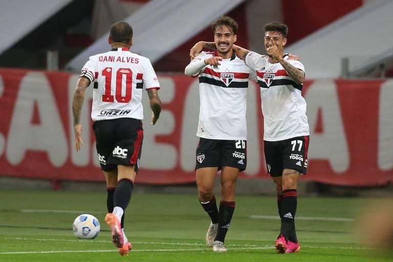 Na décima tentativa, São Paulo enfim vence no Campeonato Brasileiro