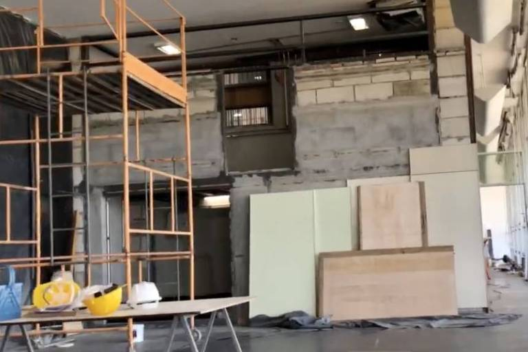Obras de instalação do novo gabinete da presidência da Câmara, que vai ficar no lugar onde era o comitê de imprensa