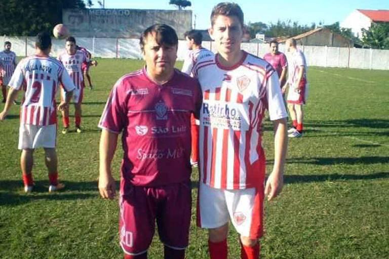 Jorginho, à direita, na época em que jogava no Vila Nova Atlético Clube
