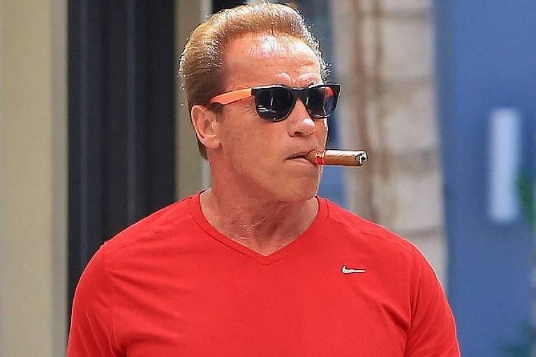 É falsa foto de Schwarzenegger com camiseta de apoio a Bolsonaro