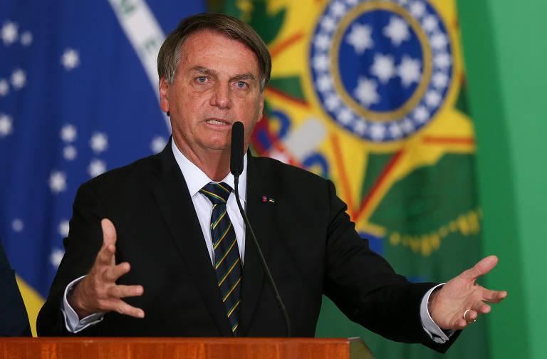 Bolsonaro diz que Economia exagerou na reforma tributária e que Receita foi 'com sede ao pote'