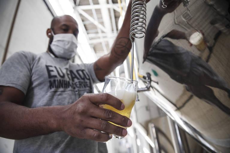 Cervejarias veem alta nas vendas, mas sofrem com preço de insumos