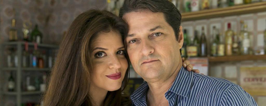 Maria Pia (Mariana Santos) e Malagueta ( Marcelo Serrado)