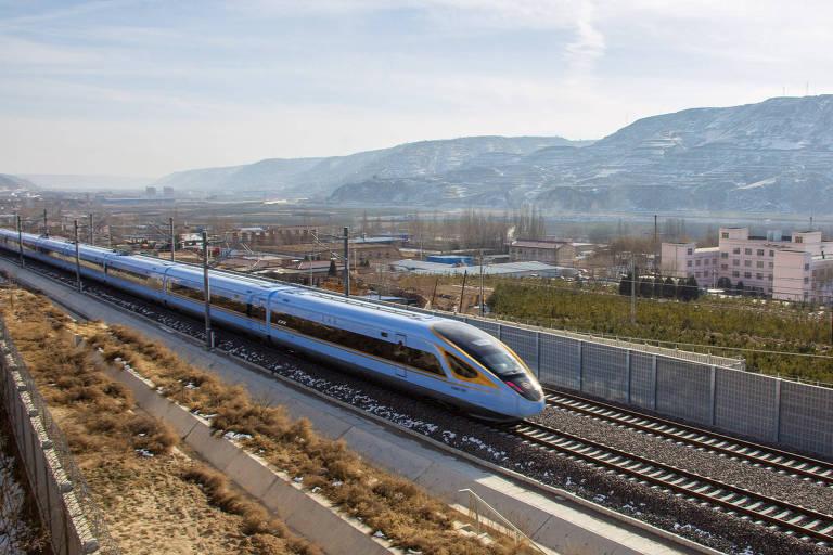 Com Longa Marcha como mito fundador, PC levou China a expansão recorde de ferrovias e estradas