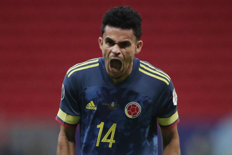 Atacante da Colômbia Luis Díaz comemora gol contra o Peru pela Copa América