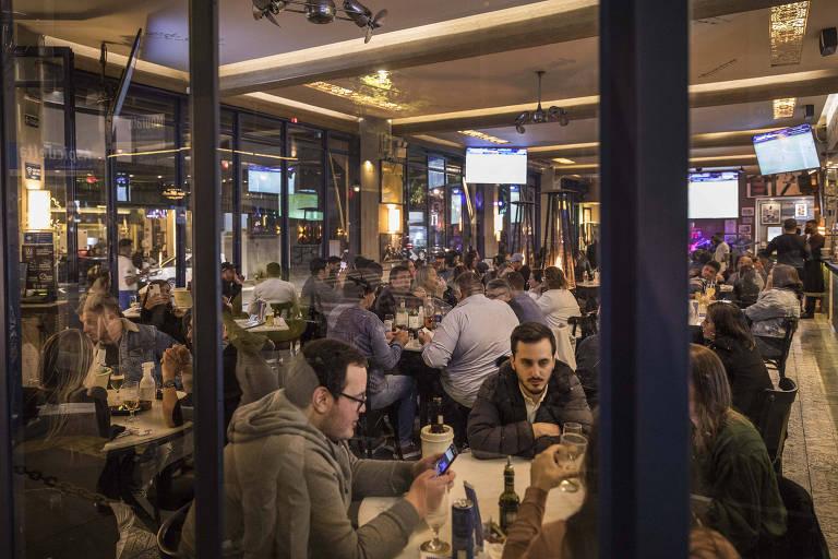 Doria recua e cancela aumento de ICMS de bares e restaurantes em São Paulo