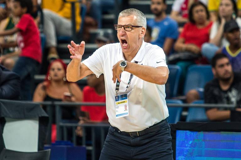 O técnico Aleksandar Petrovic fez um bom trabalho, mas não conseguiu levar a seleção brasileira masculina de basquete à Olimpíada de Tóquio