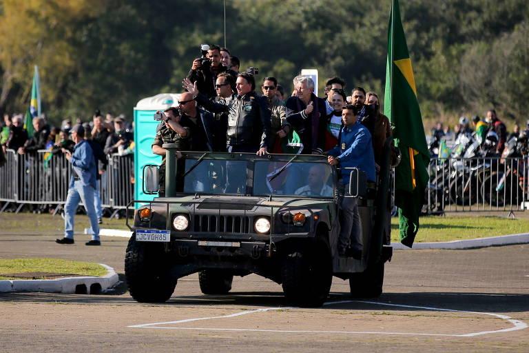 'Canalhas! Canalhas!': falta um Tancredo Neves para denunciar golpismo de Bolsonaro
