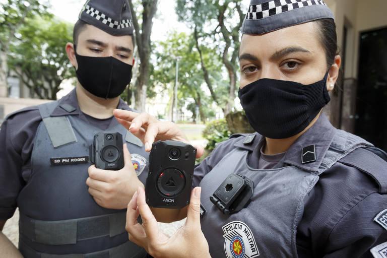Polícia Militar de SP usa câmera acoplada ao uniforme para coibir violência