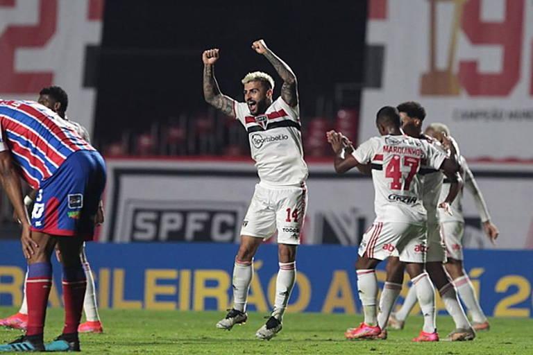 Liziero marca nos acréscimos e garante vitória do São Paulo no Brasileiro