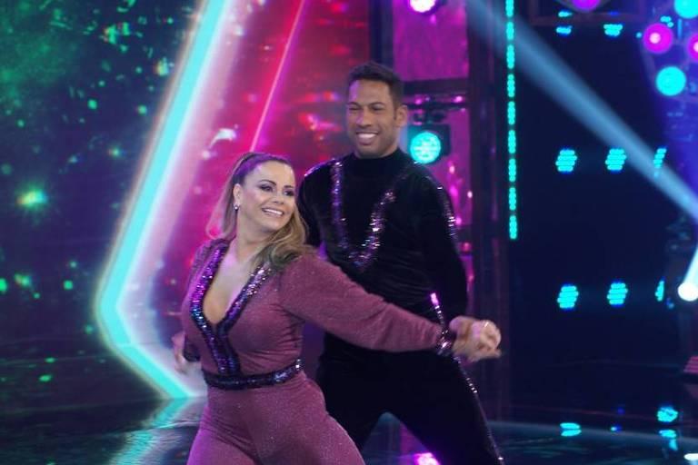 Super Dança dos Famosos: Viviane Araújo se classifica após trocar professor