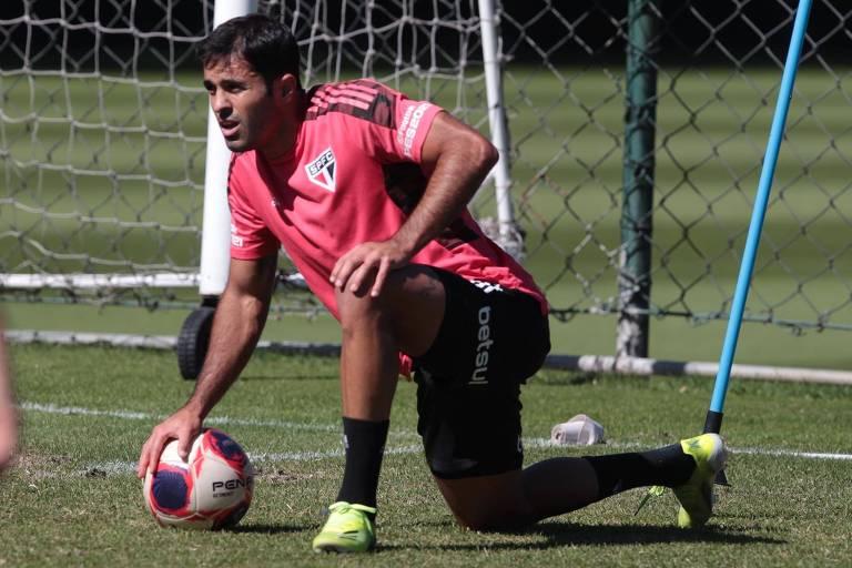 Desgastado, São Paulo duela na Libertadores com rival em início de temporada