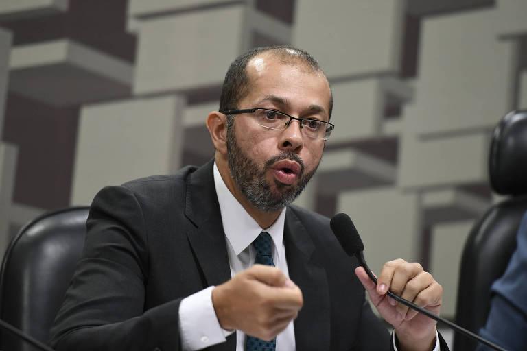Alexandre Macedo durante sua sabatina para ser reconduzido ao posto de superintendente do Cade, em 2019