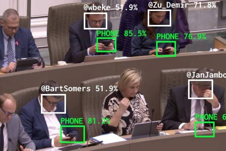 Software na Bélgica detecta quem está no celular durante sessões parlamentares