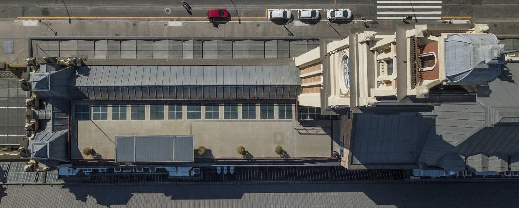 Vista aérea do terraço do complexo da estação da Luz que incorpora o Museu da Língua Portuguesa; espaço irá abrigar uma cafeteria