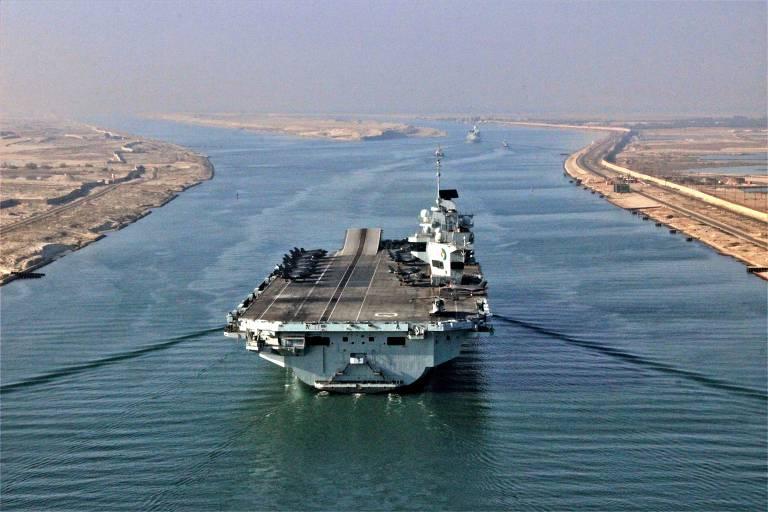 O porta-aviões HMS Queen Elizabeth