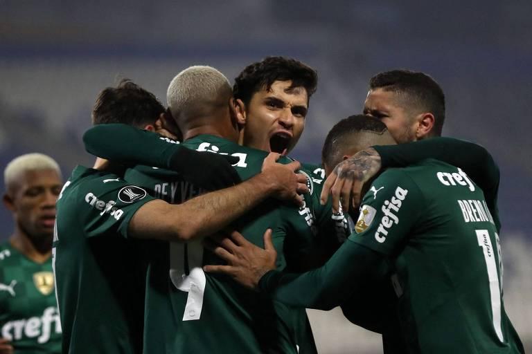 Com pênalti indicado pelo VAR, Palmeiras bate recorde na Libertadores