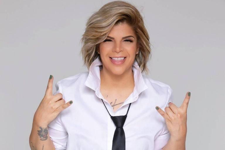 A cantora Paula Mattos