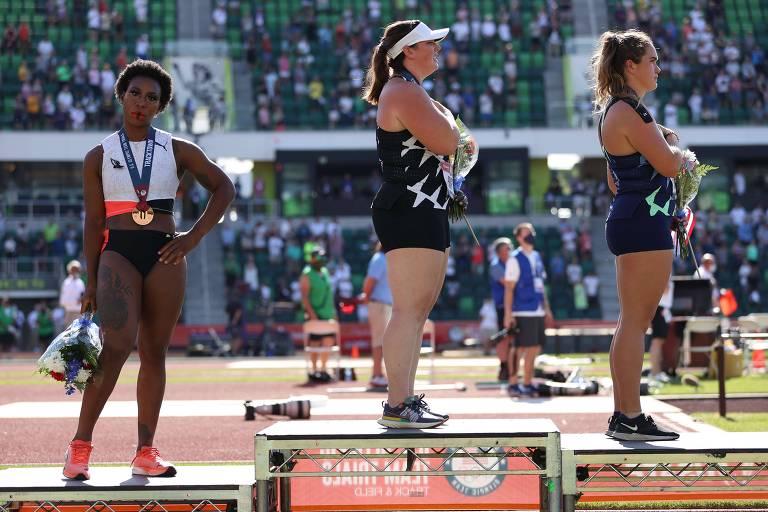 Ativismo crescente no esporte desafia regras olímpicas que limitam protestos