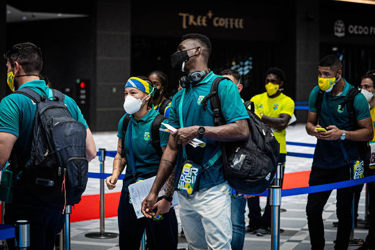 Equipe olímpica de boxe do Brasil desembarca em Tóquio, no Japão