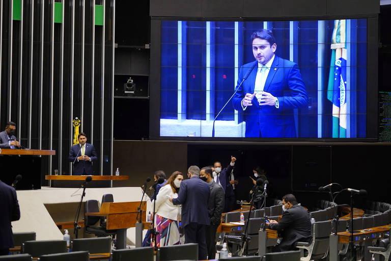 Defensores do distritão tentam articular para convencer partido Novo a apoiar proposta