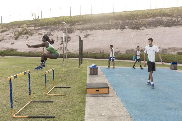 Jovens atletas treinam no Centro Esportivo de Alto Rendimento (CEAR), do Instituto Vanderlei Cordeiro de Lima (IVCL), em Campinas