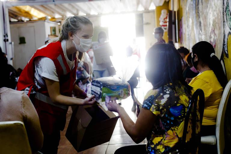 Programa Dignidade Íntima distribuirá absorventes para alunas em São Paulo