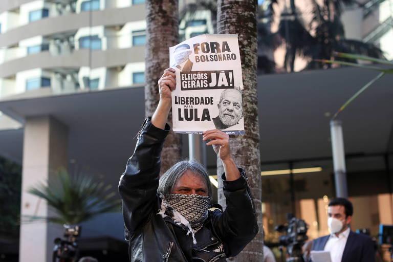 'O título está errado; é impossível Bolsonaro evoluir', diz leitor