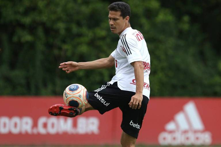 Caneladas do Vitão: Ah, se o Daniel Alves amasse o Tricolor tanto quanto Hernanes!
