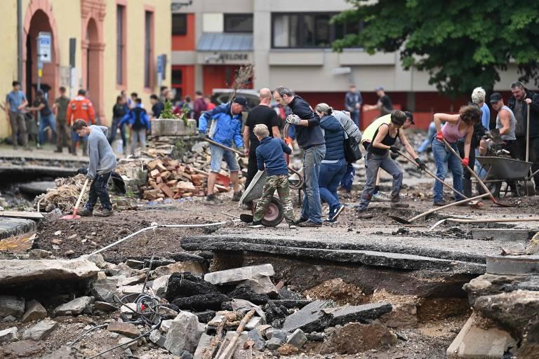 Chuvas deixam dezenas de mortos e desaparecidos na Alemanha