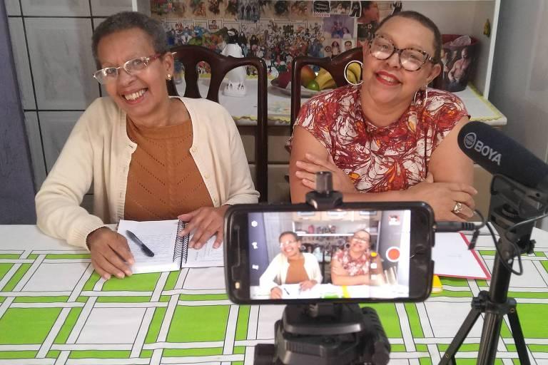 Quem são as aposentadas youtubers que falam de séries no canal Dona Gêek