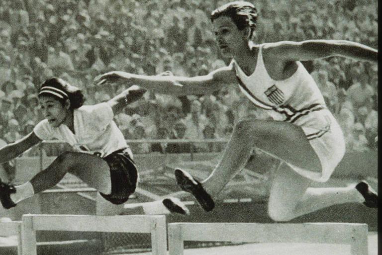 A norte-americana Mildred Didrikson (à dir.), chamada de Babe, conquistou três medalhas no atletismo na Olimpíada de 1932, em Los Angeles
